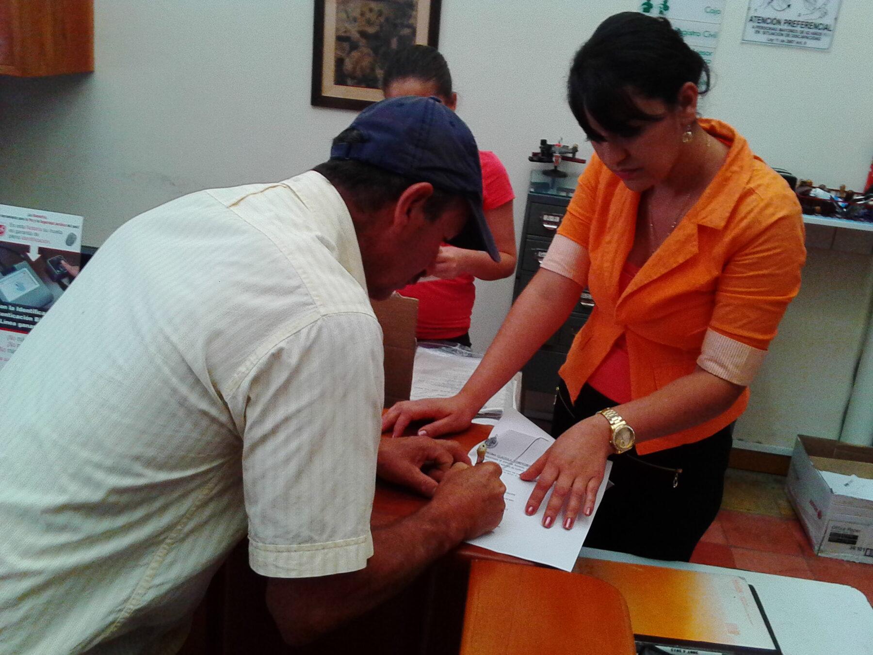 Firma de Acuerdos con los propietarios de alta montaña, ante la Notaria Municipal.